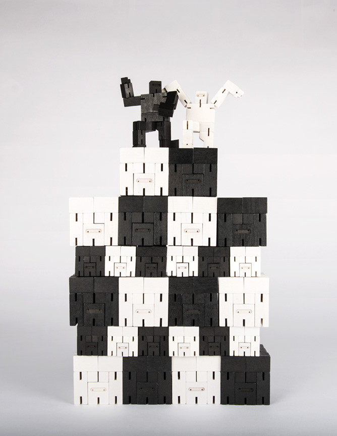 Cubebot Ninja Small White Pip And Soxpip And Sox